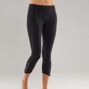 Lululemon Snap Me Up Black Crop Pant Size 6